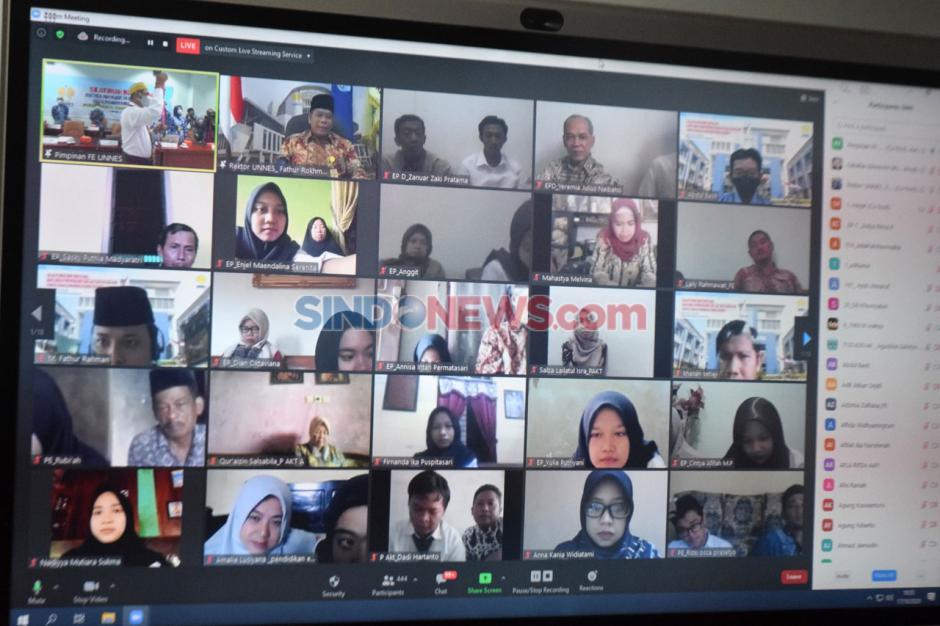 1.260 Orang Tua Maba Silaturahmi Virtual dengan Pimpinan FE Unnes-3