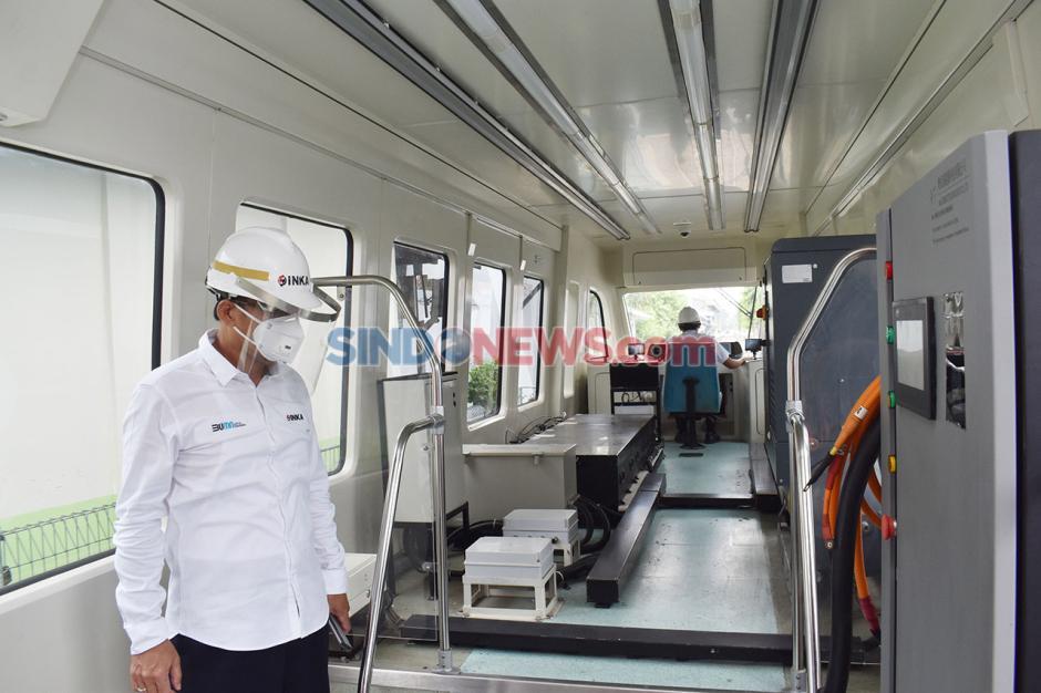 Trem Bertenaga Baterai Buatan INKA-2