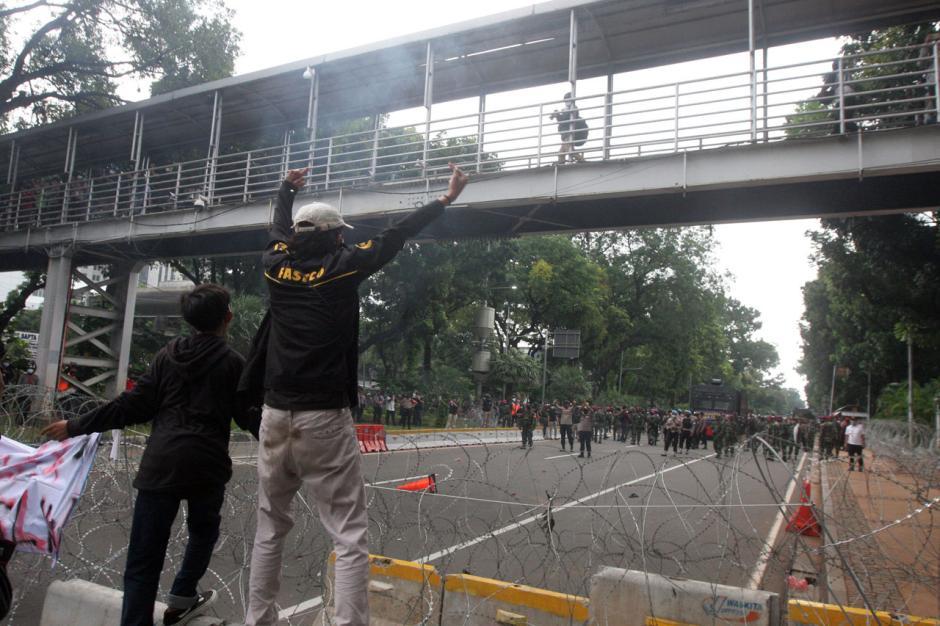Mahasiswa dan Buruh di Jakarta Kembali Gelar Aksi Tolak Omnibus Law-3