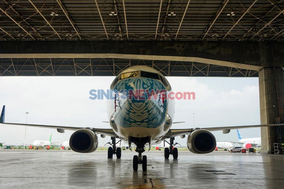Pesawat Garuda Indonesia Pakai Masker Motif Batik Parang-2