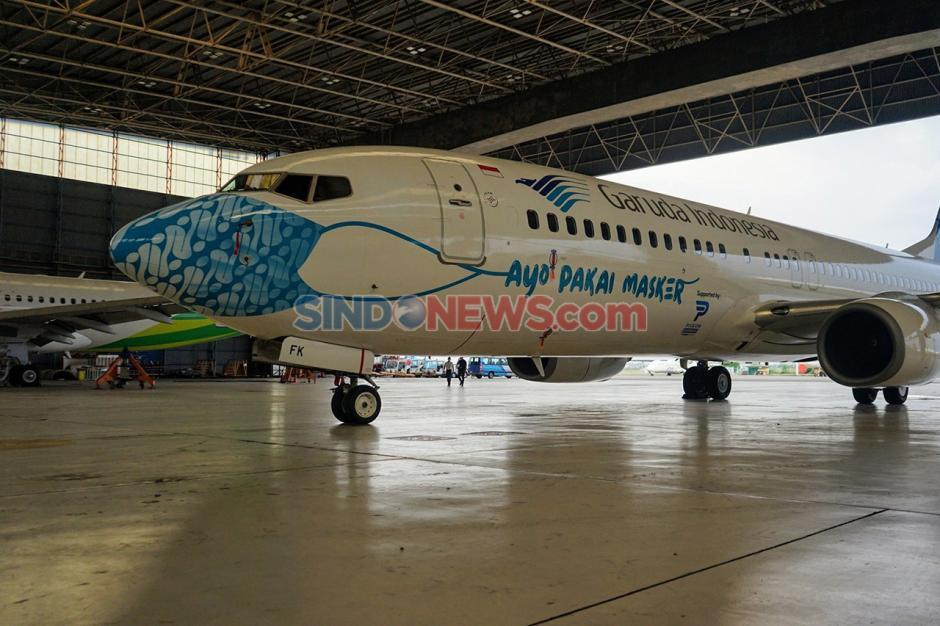 Pesawat Garuda Indonesia Pakai Masker Motif Batik Parang-1