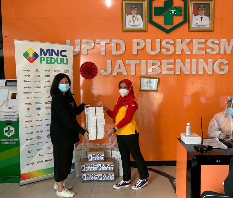 MNC Peduli Salurkan Makan Siang ke Puskesmas Jatibening dan Puskesmas Perumas 2 Bekasi-2