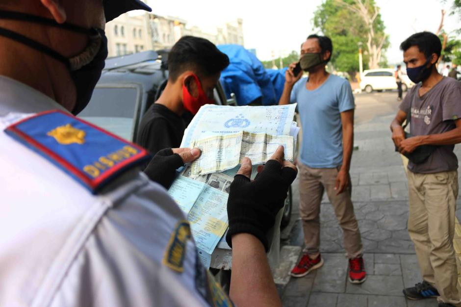 Dishub Jakarta Utara Gelar Razia Penertiban Angkutan Barang-2