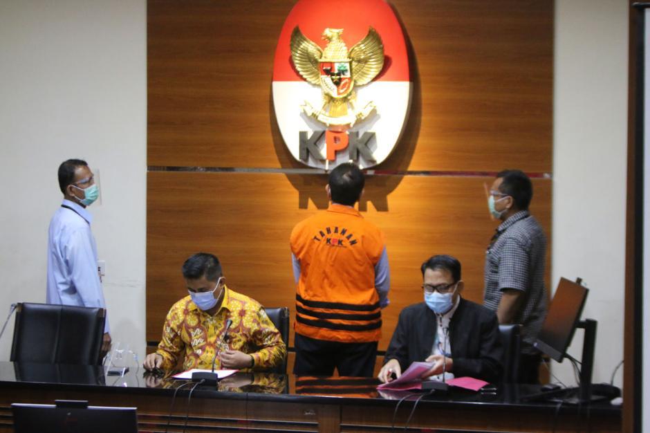 KPK Tahan Dirut PT PAL Indonesia Budiman Saleh-4