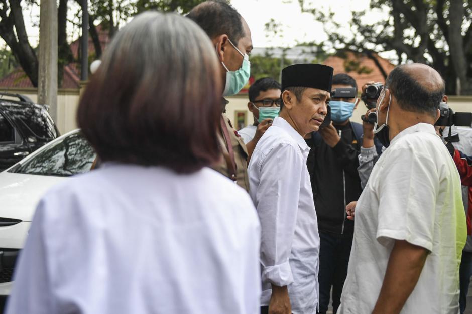 Terbukti Sebarkan Berita Bohong, Pimpinan Sunda Empire Dihukum 2 Tahun Penjara-3