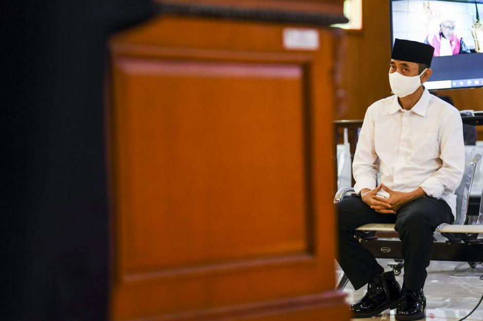 Terbukti Sebarkan Berita Bohong, Pimpinan Sunda Empire Dihukum 2 Tahun Penjara-5