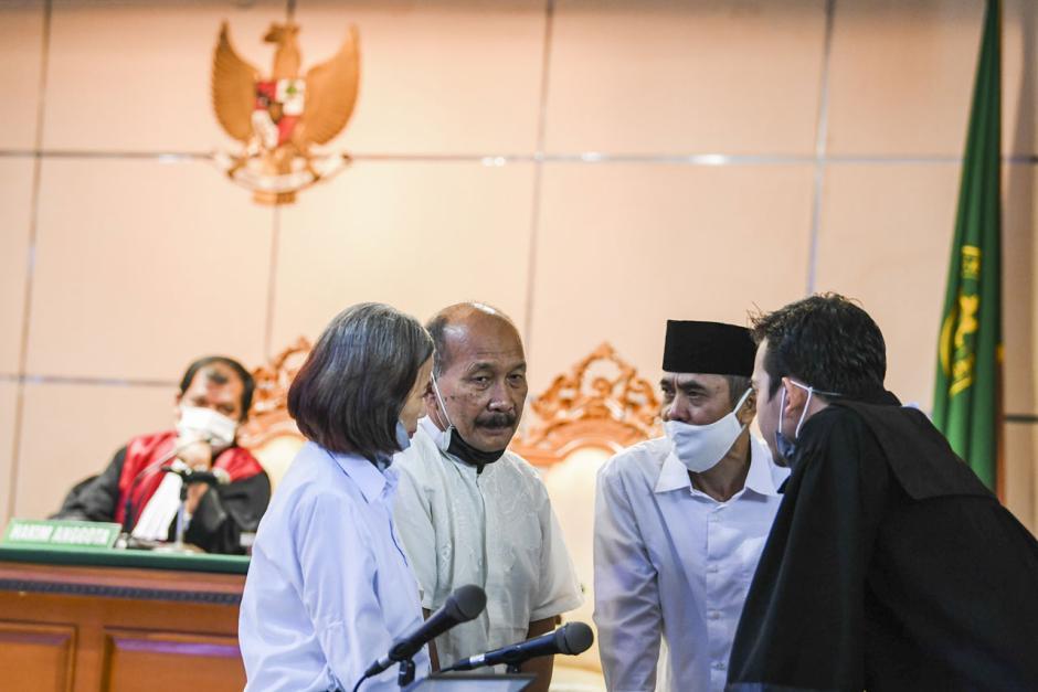 Terbukti Sebarkan Berita Bohong, Pimpinan Sunda Empire Dihukum 2 Tahun Penjara-0