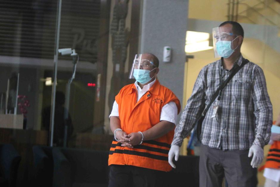 KPK Lanjutkan Pemeriksaan Bupati Kutai Timur Nonaktif Ismunandar-4