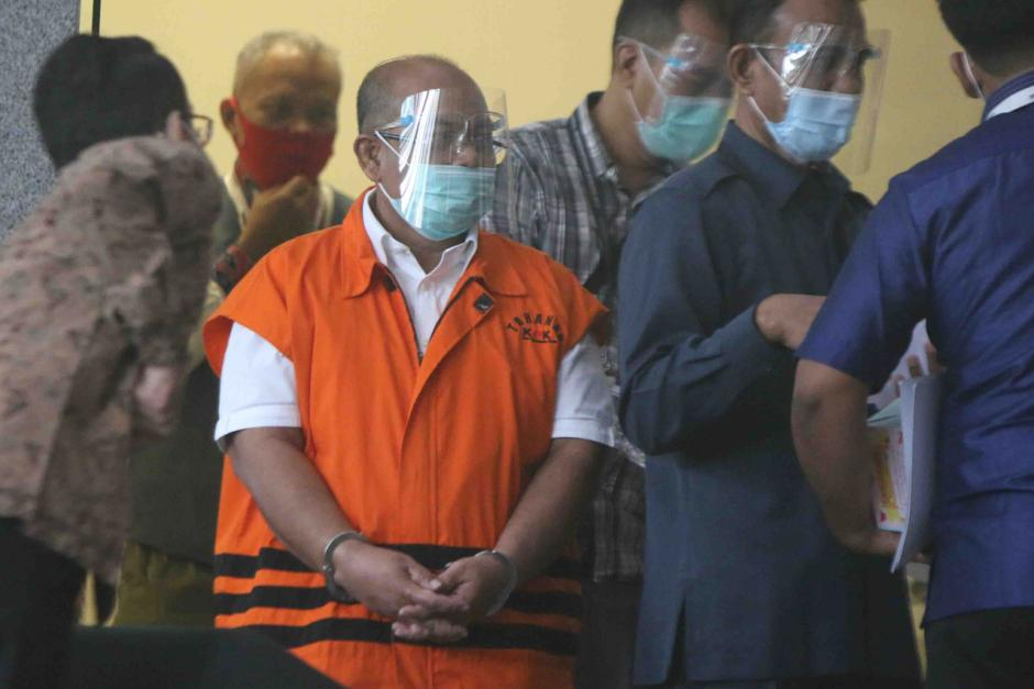 KPK Lanjutkan Pemeriksaan Bupati Kutai Timur Nonaktif Ismunandar-3
