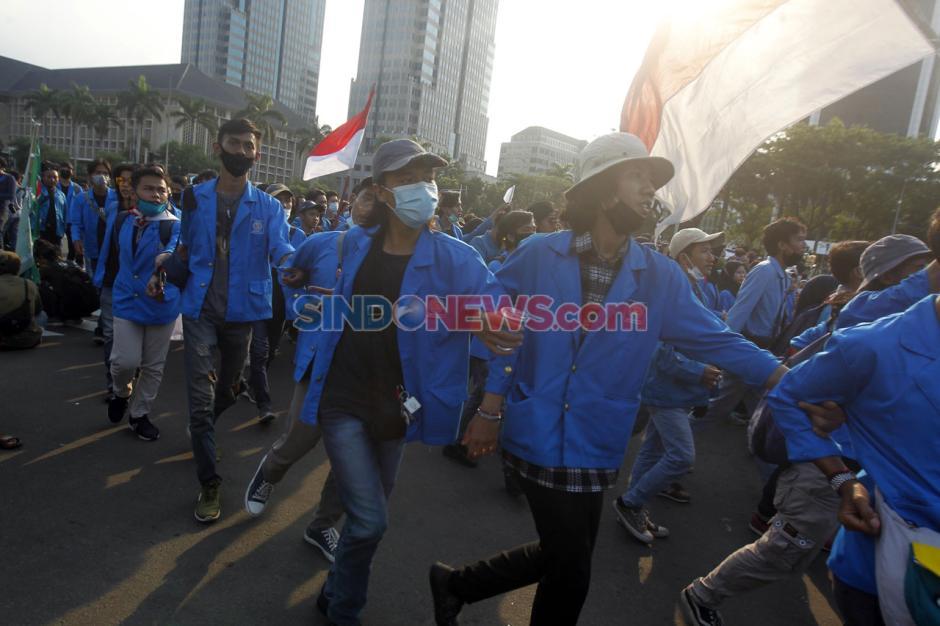 Mahasiswa dan Buruh Kembali Tolak UU Omnibus Law di Hari Sumpah Pemuda-1