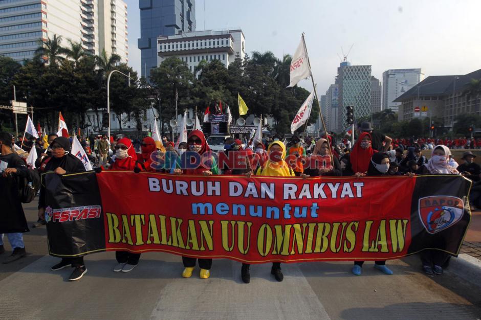 Mahasiswa dan Buruh Kembali Tolak UU Omnibus Law di Hari Sumpah Pemuda-4