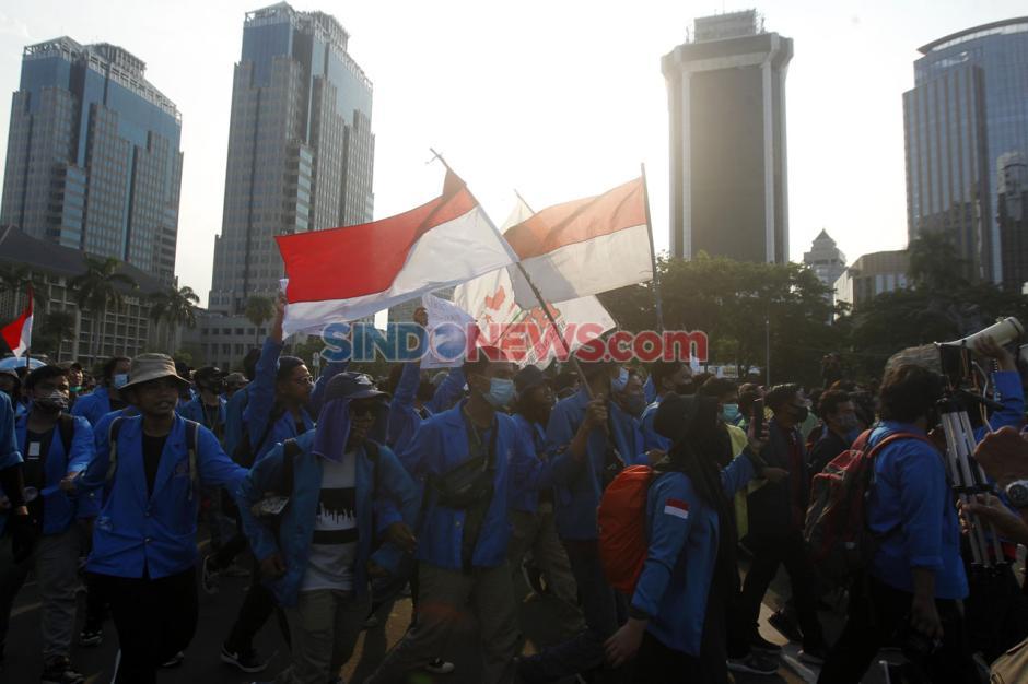 Mahasiswa dan Buruh Kembali Tolak UU Omnibus Law di Hari Sumpah Pemuda-7