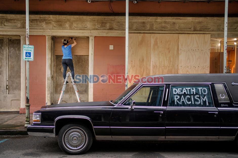 Antisipasi Datangnya Badai Zeta di New Orleans, Louisiana, AS-4