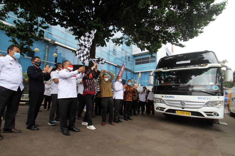 BP2MI Gandeng Damri Beri Fasilitas Transportasi Pekerja Migran Indonesia-0