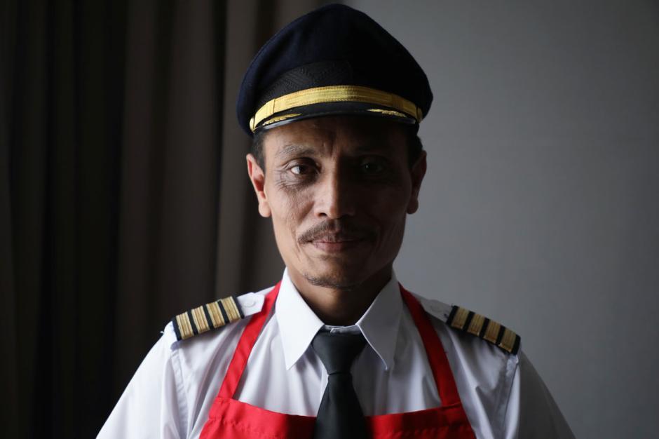 Bertahan di Masa Pendemi, Mantan Pilot Malaysia Buka Warung Makan-3