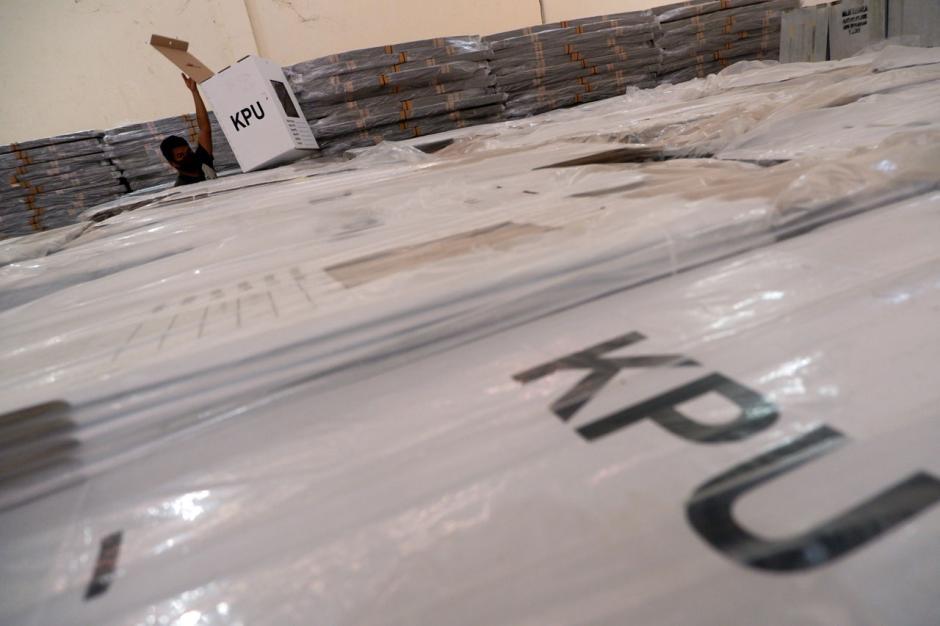 KPU Makassar Siap Distribusikan Kotak Suara Pilkada-0