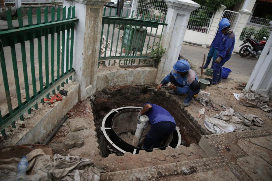 Sudin SDA DKI Jakarta Bangun Sumur Resapan Dangkal 120 Titik-2