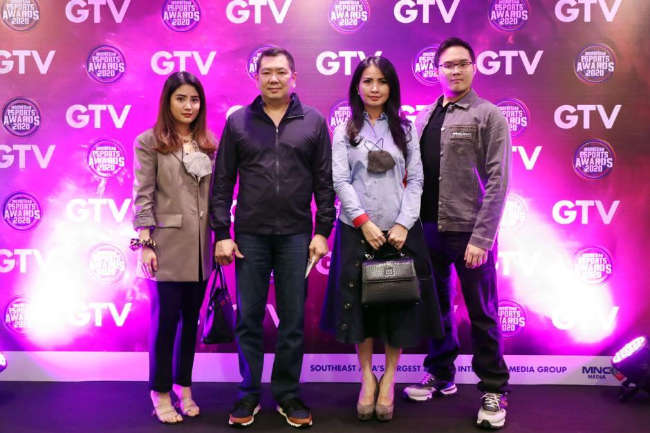 HT Hadiri Indonesian Esports Awards-3