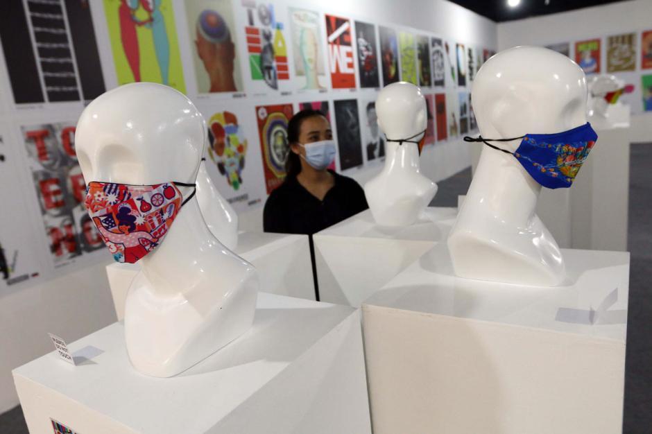 Berbagai Desain Masker Dipamerkan di Summarecon Mal Serpong-2