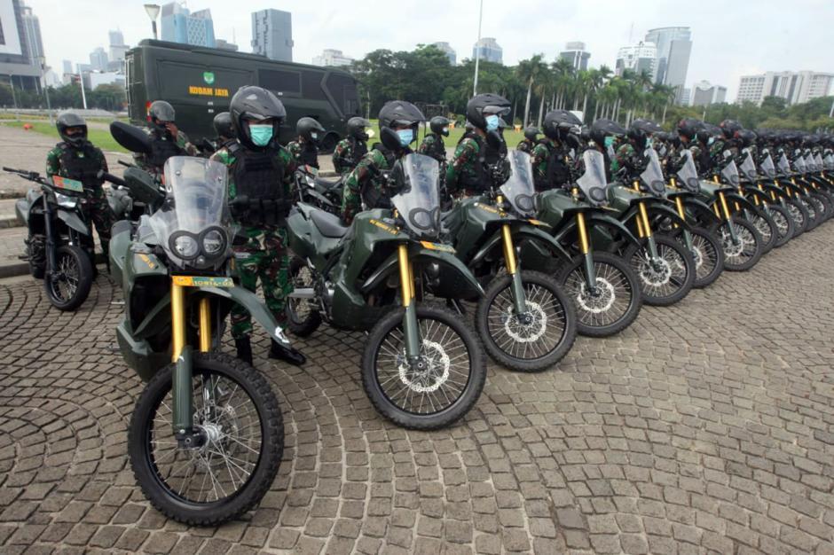 Pangdam Jaya Pimpin Apel Gelar Pasukan Pengamanan Pilkada di Monas-6