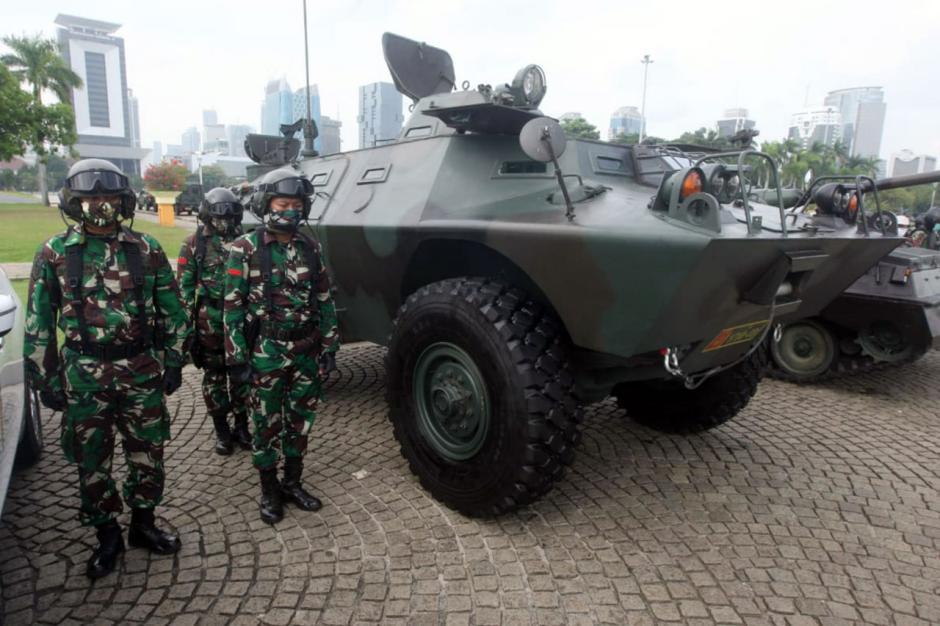 Pangdam Jaya Pimpin Apel Gelar Pasukan Pengamanan Pilkada di Monas-3
