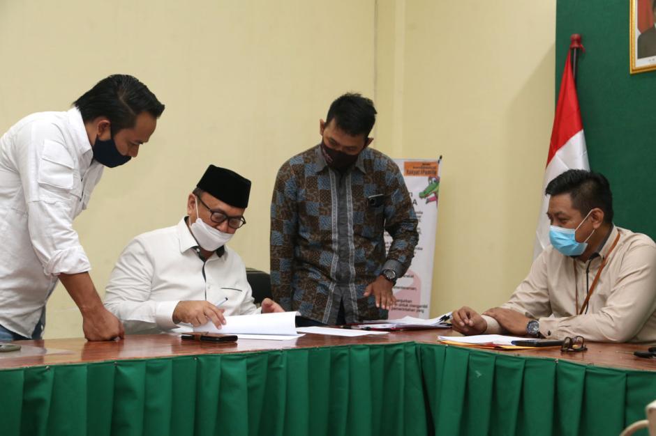 Gus Amik Laporkan Dugaan Pelanggaran Pilkada Surabaya ke Bawaslu-2