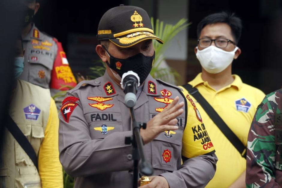 Kapolda Metro Jaya Tinjau Pelaksanaan Rapid Test di Petamburan-4
