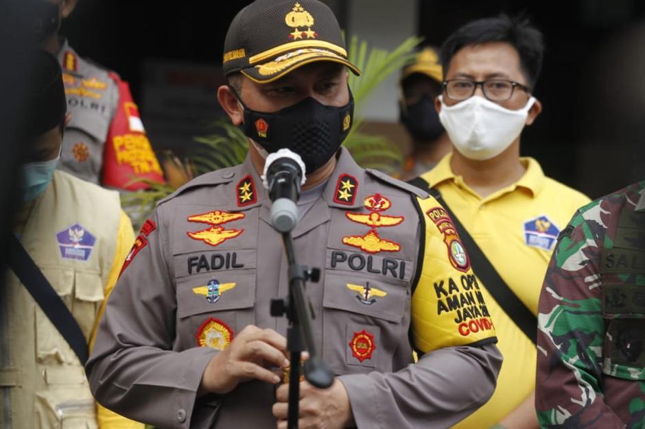 Kapolda Metro Jaya Tinjau Pelaksanaan Rapid Test di Petamburan-3