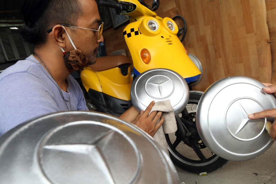 Bengkel Custom Fiber Garasi Si Kumis Bertahan di Tengah Pandemi-2
