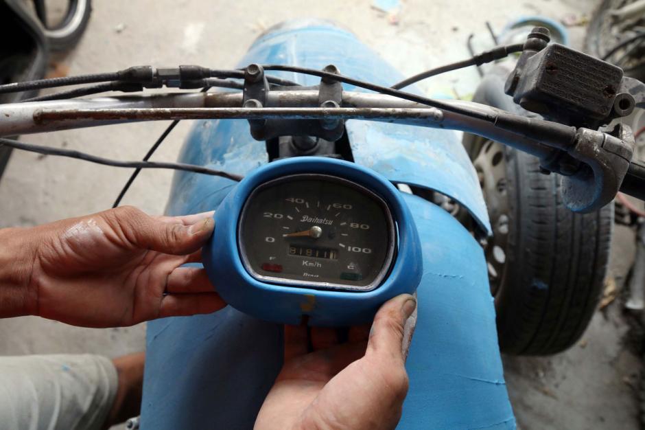 Bengkel Custom Fiber Garasi Si Kumis Bertahan di Tengah Pandemi-5