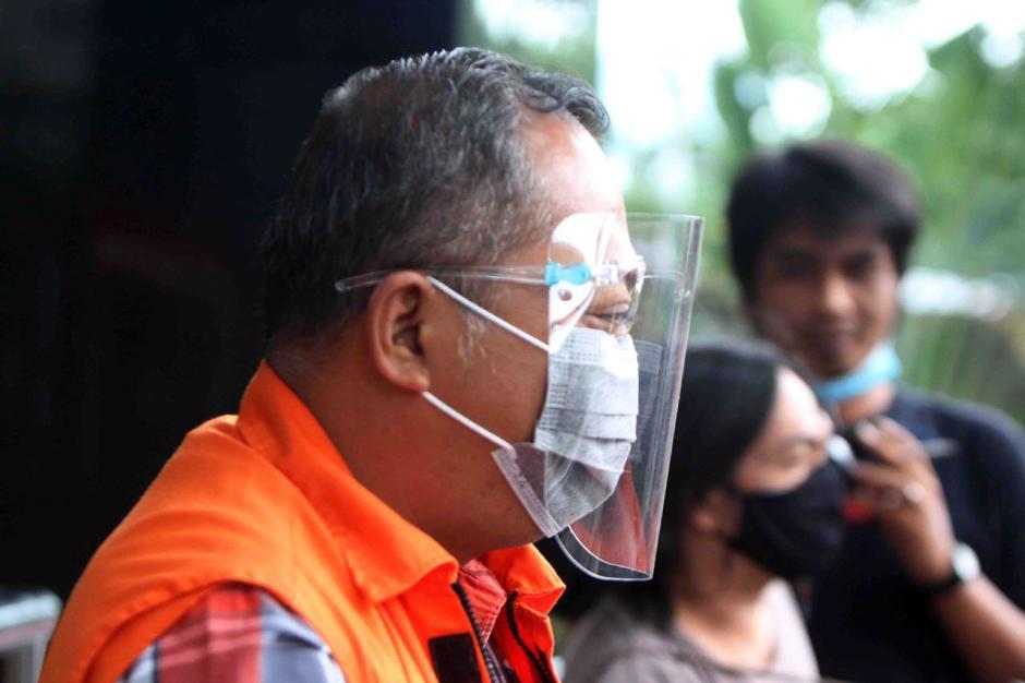 Kasus Suap Eks Bupati Malang Rendra Kresna, KPK Lanjutkan Pemeriksaan Kontraktor Eryck Armando Talla-3