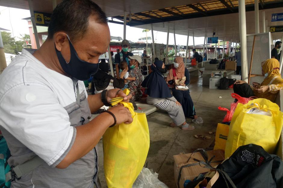 PSBB Transisi Diperpanjang, Penumpang Kapal di Dermaga Marina Ancol Berkurang-4