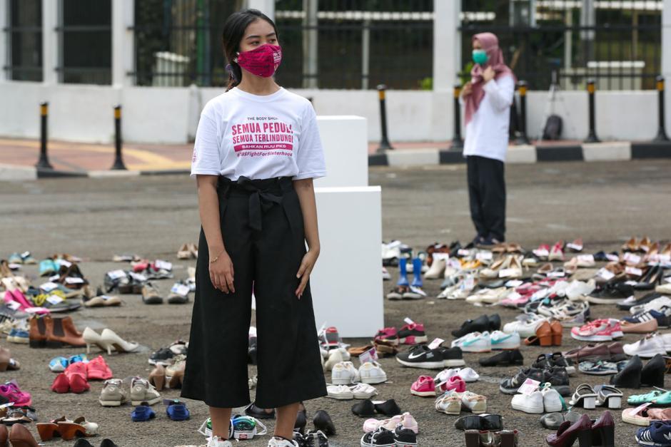 Letakkan 500 Pasang Sepatu, Aktivis Desak Pengesahan RUU Penghapusan Kekerasan Seksual-5