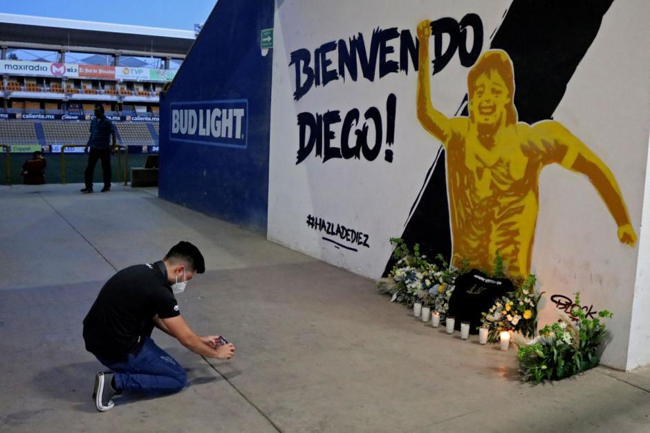 Mural Mendiang Diego Maradona Terpampang di Luar Stadion Dorados Meksiko-3