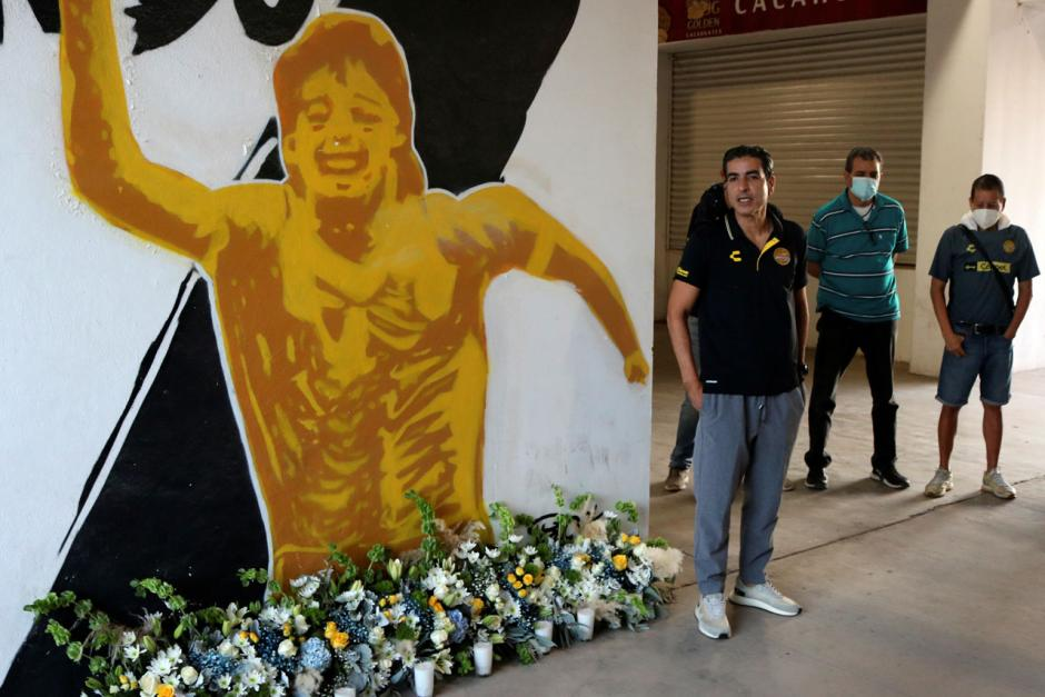 Mural Mendiang Diego Maradona Terpampang di Luar Stadion Dorados Meksiko-0