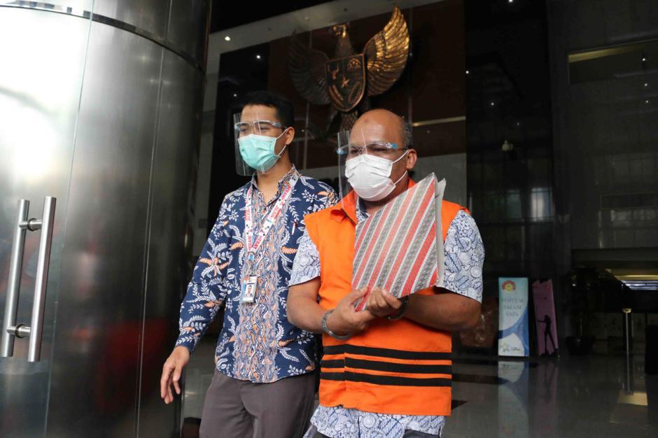 KPK Lanjutkan Pemeriksaan Kepala BPPD Labuhanbatu Utara Agusman Sinaga-0