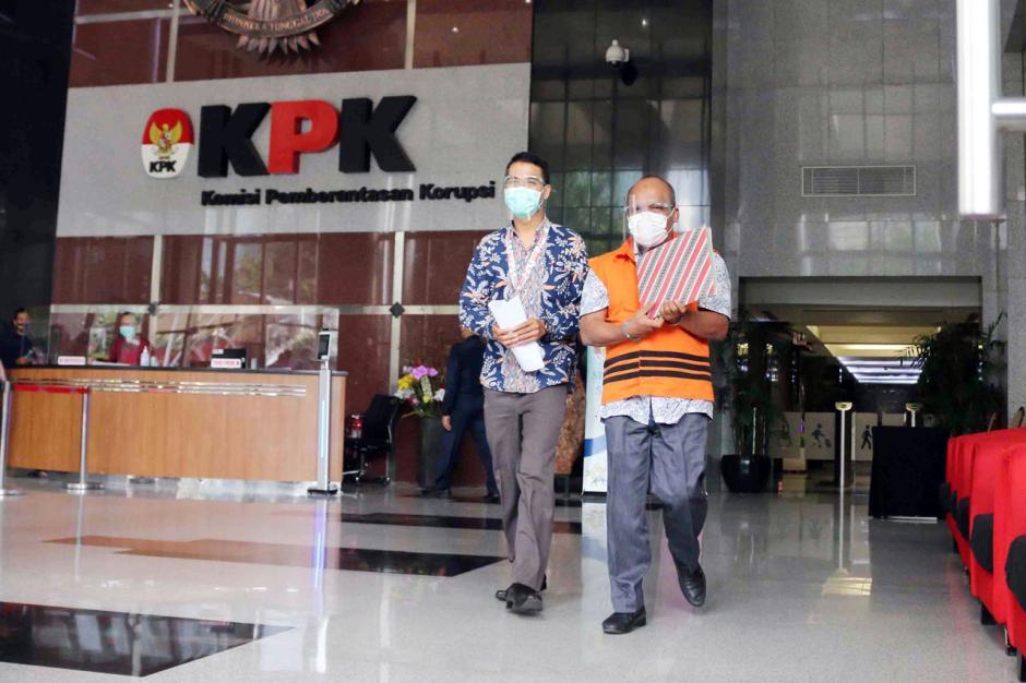 KPK Lanjutkan Pemeriksaan Kepala BPPD Labuhanbatu Utara Agusman Sinaga-2