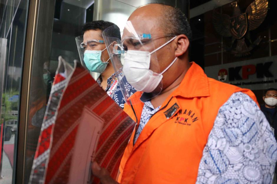 KPK Lanjutkan Pemeriksaan Kepala BPPD Labuhanbatu Utara Agusman Sinaga-3