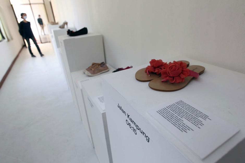 Berbagi Cerita Penyintas Kekerasan Seksual dalam Shoes Art Installation-1