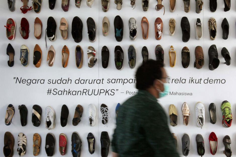 Berbagi Cerita Penyintas Kekerasan Seksual dalam Shoes Art Installation-8