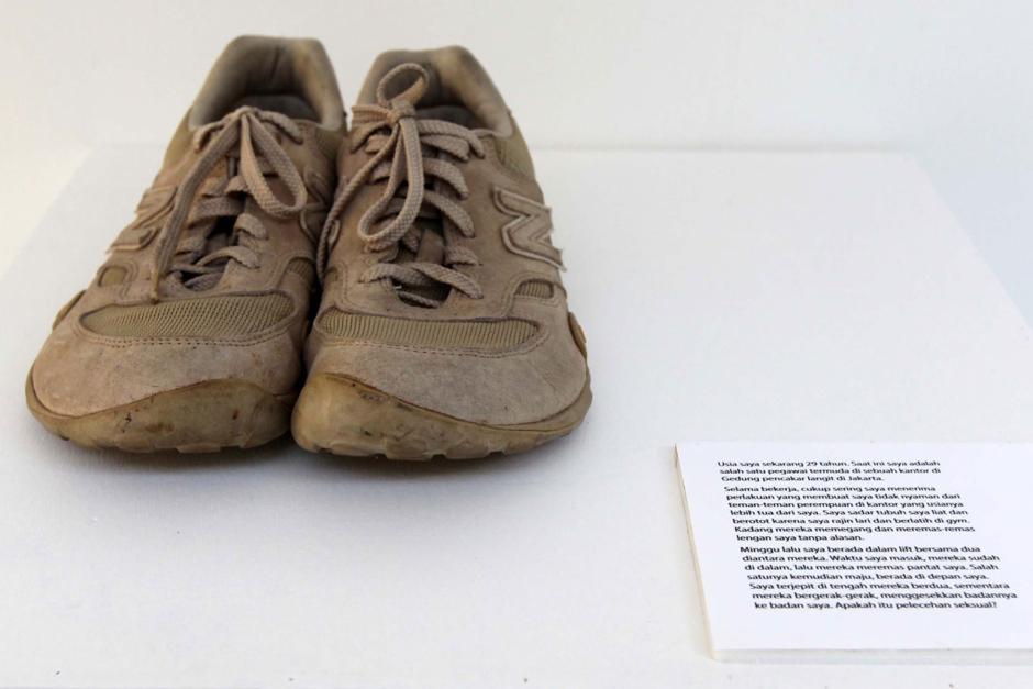 Berbagi Cerita Penyintas Kekerasan Seksual dalam Shoes Art Installation-2