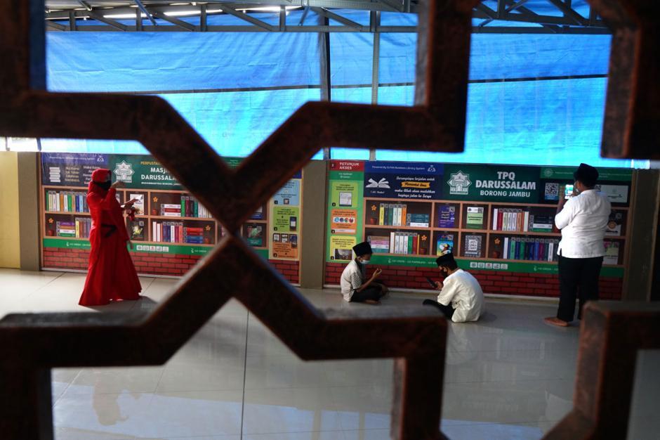 Menyambangi Perpustakaan Digital di Masjid Darussalam Muhammadiyah Makassar-4