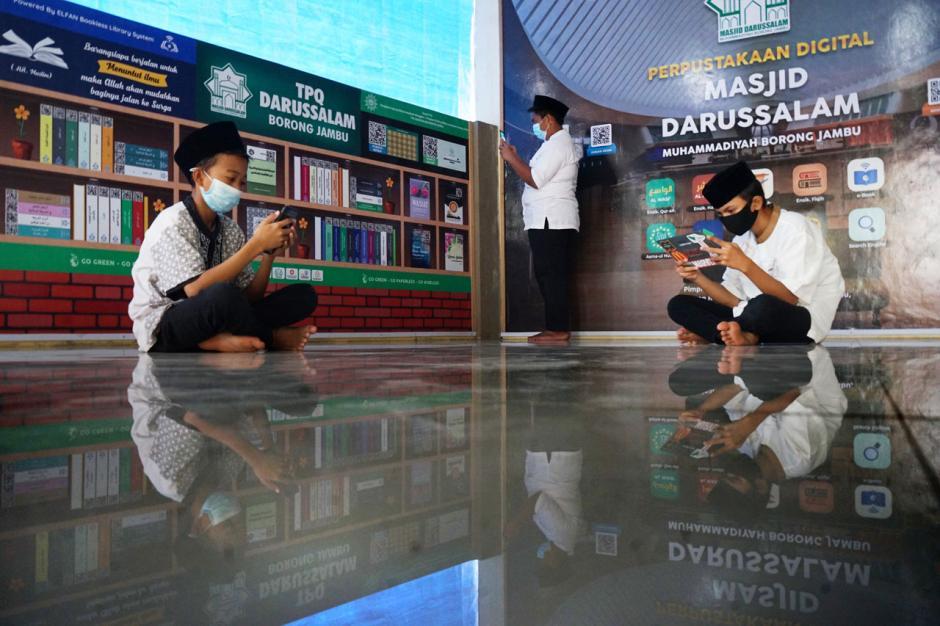Menyambangi Perpustakaan Digital di Masjid Darussalam Muhammadiyah Makassar-3