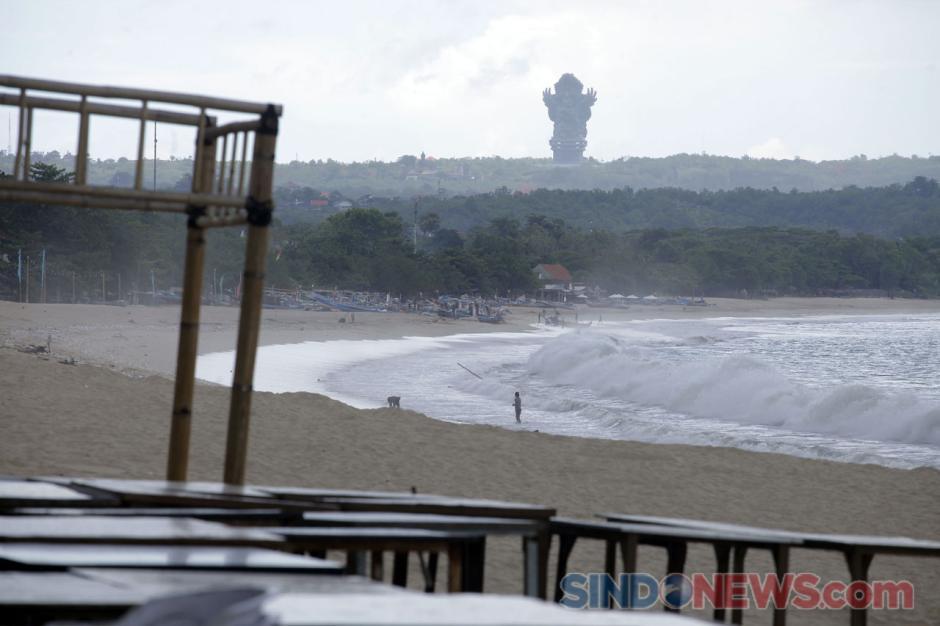 Begini Penampakan Pantai Jimbaran di Kala Sepi Akibat Pandemi-4