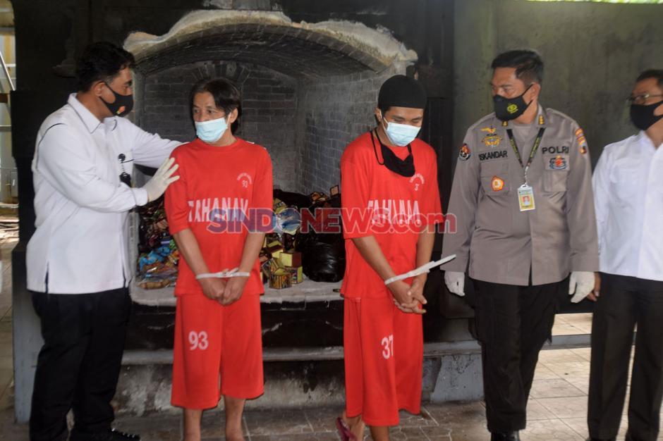 Ditresnarkoba Polda Jateng Musnahkan 23.086 Jamu Tradisional Ilegal di Krematorium Semarang-3