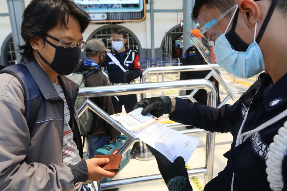 Jelang Libur Natal dan Tahun Baru, PT KAI Mulai Buka Pemesanan Tiket Kereta Jarak Jauh-2