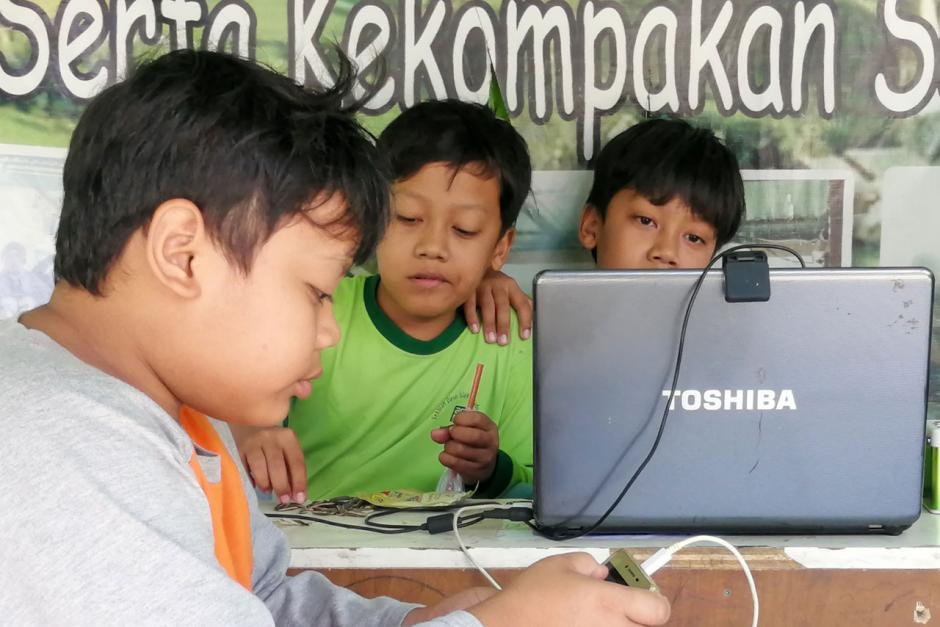 Pemkot Tangerang Berikan Fasilitas Internet Gratis untuk Siswa Melalui RW Net-2