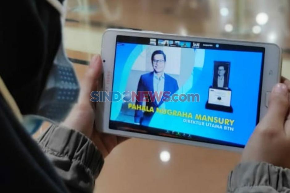 Pahala Nugraha Mansury Raih Bankir of The Year-0