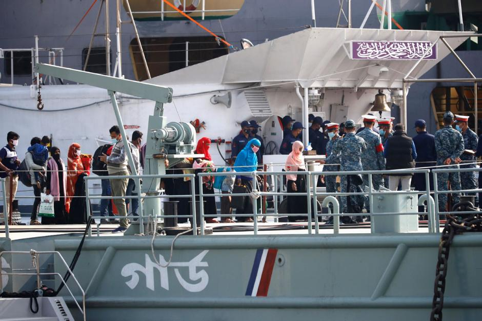 Ratusan Pengungsi Rohingya Dipindahkan ke Pulau Bhasan Char Bangladesh-3
