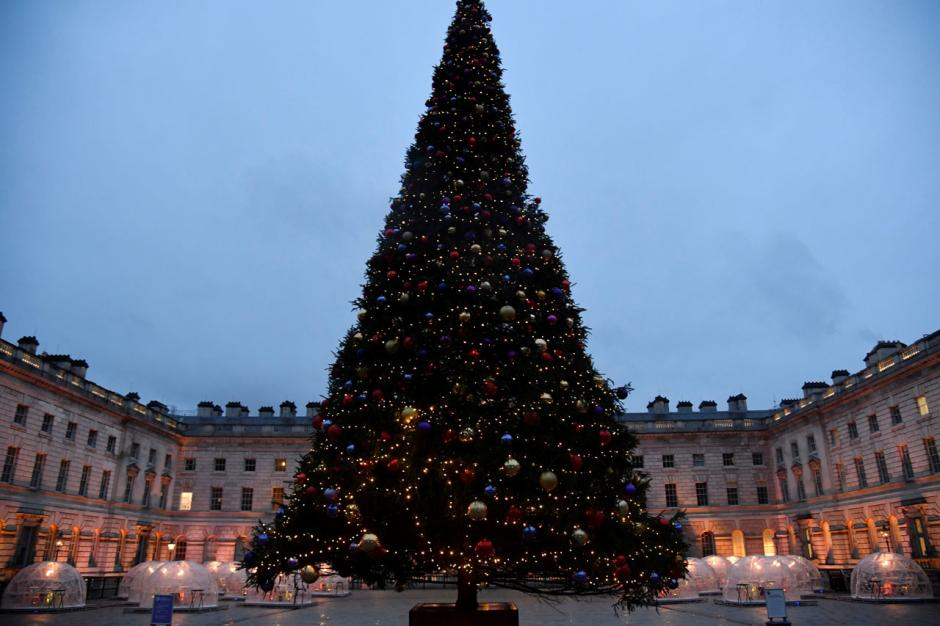 Pemerintah Inggris Cabut Pembatasan Sosial Selama Natal-2